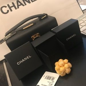 Auth Chanel Yellow marigold tweed Camellia brooch!